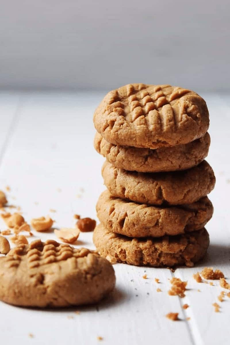 Keto Peanut Butter Cookies – Chewy, Crunchy & Crumbly!
