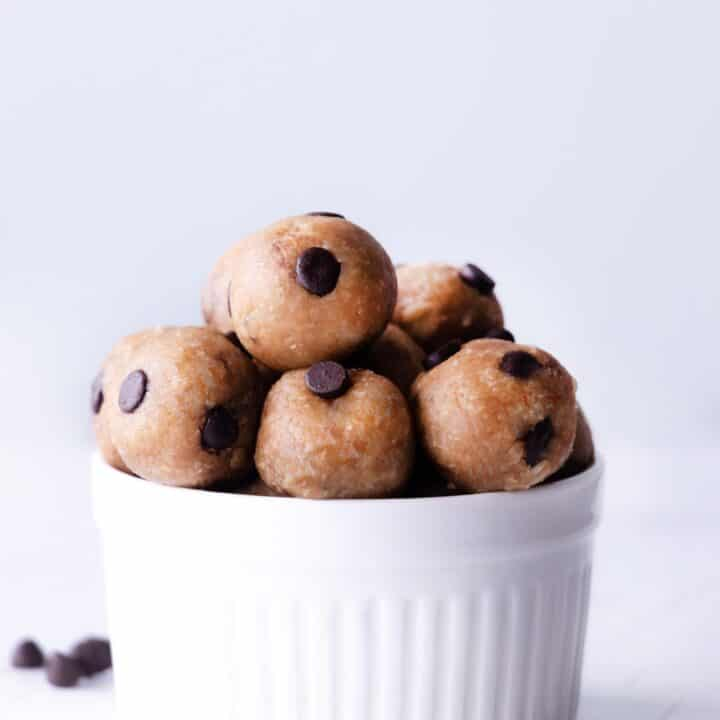 KETO CHOCOCHIP BITES - No bake , sugar free