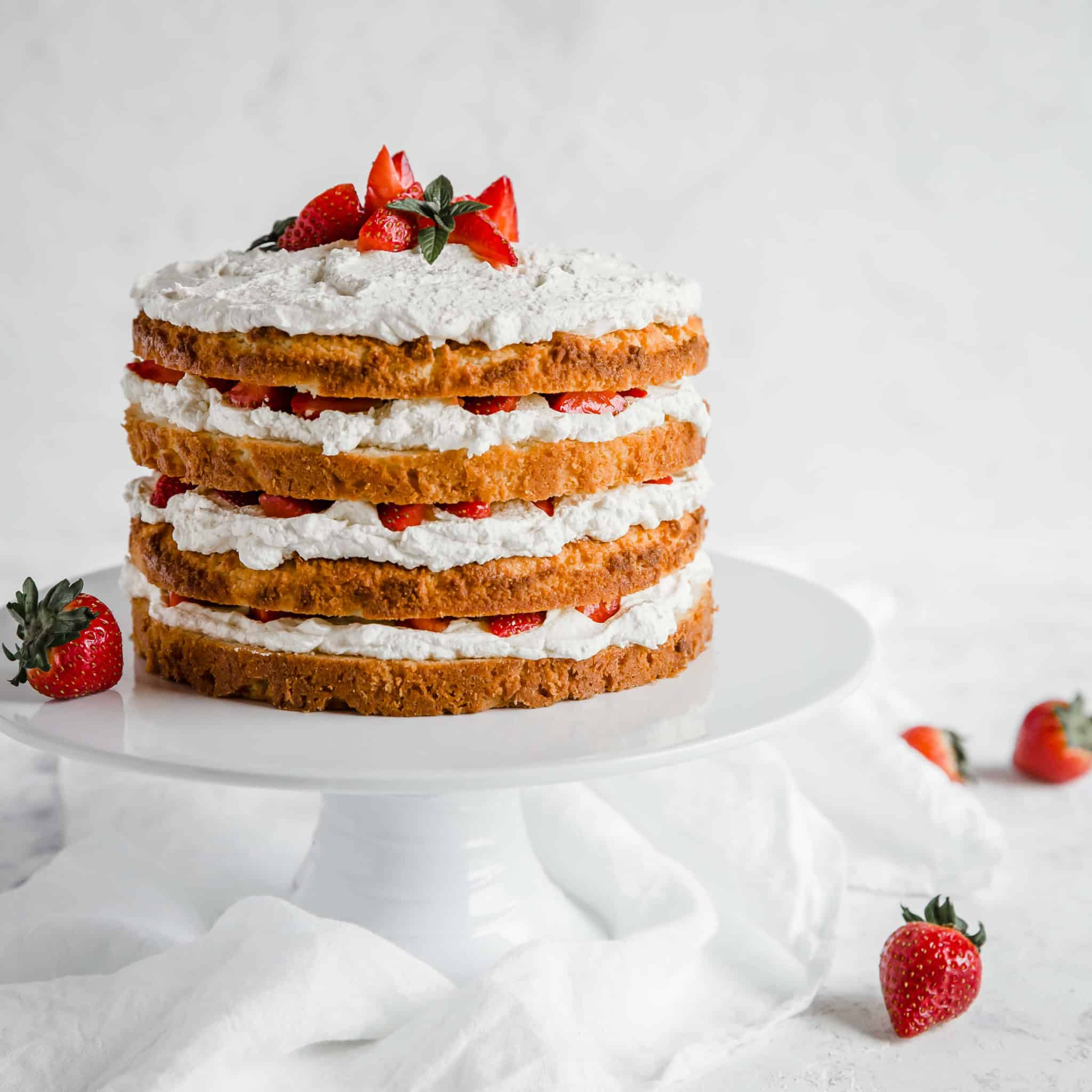 9 Keto Cake Recipes you wouldn't wanna miss!!