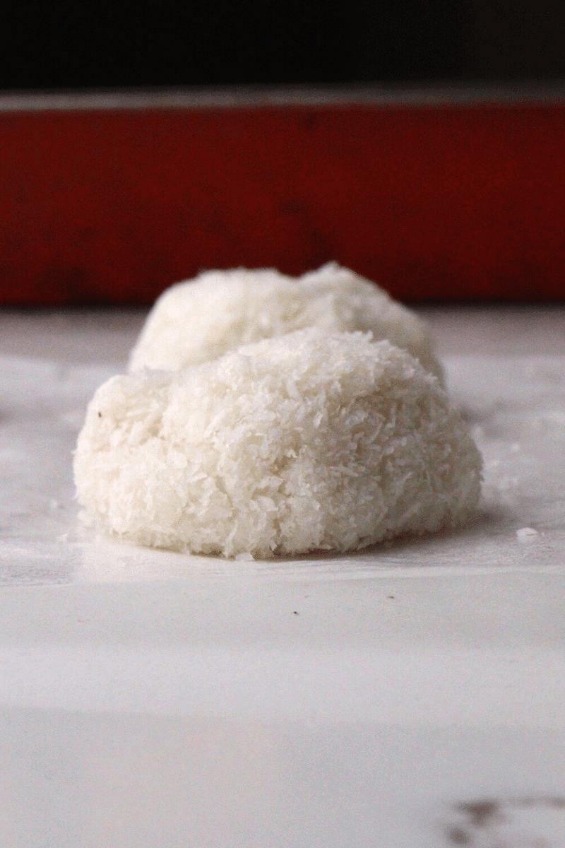 keto-coconut-truffles