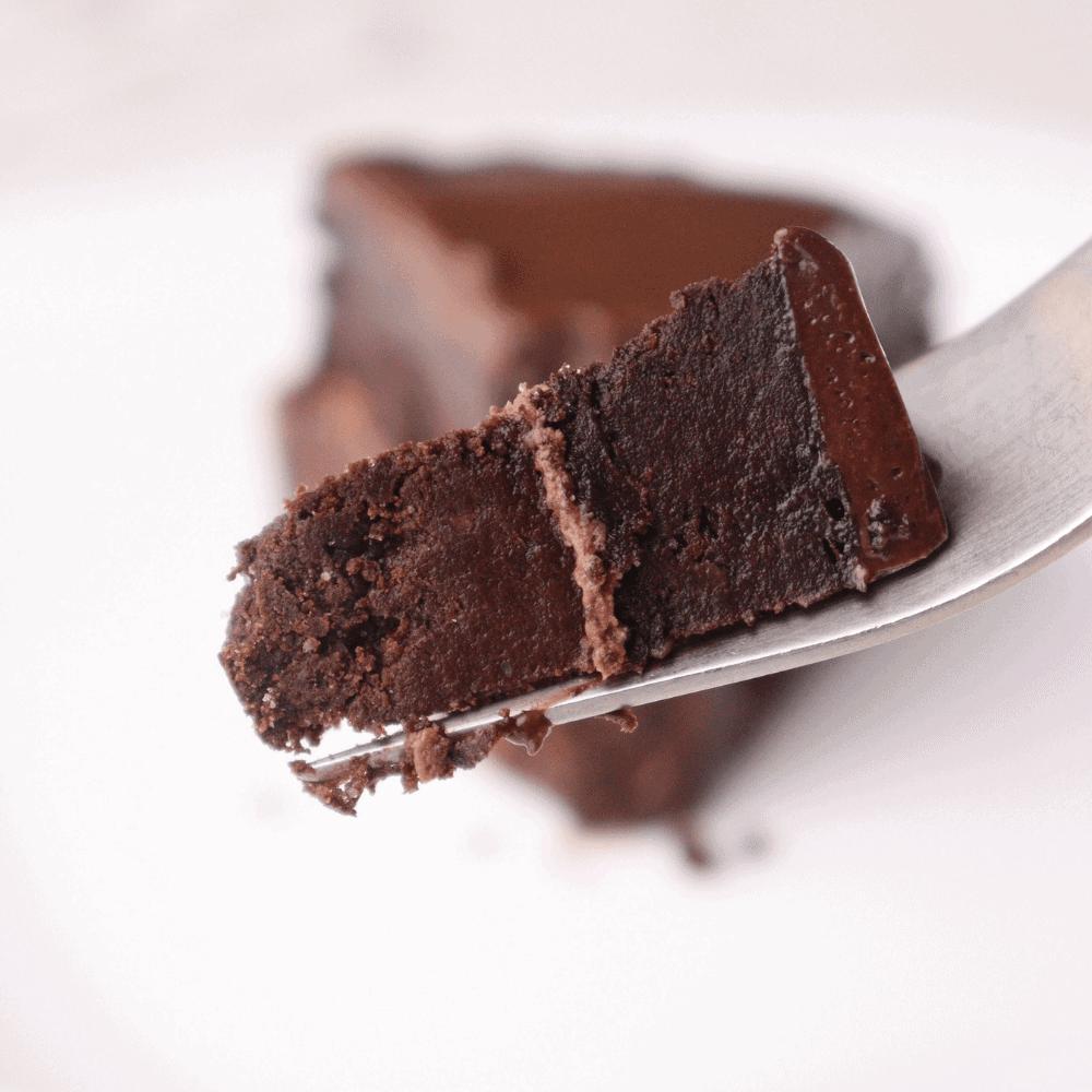 keto-low-carb-chocolate-cake-bite-shot-thehealthcreative