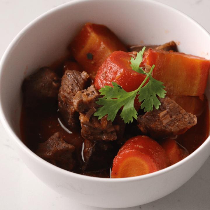 keto-Vietnamese-beef-stew-in-single-serving-bowl-thehealthcreative